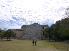 The horrible historical ruins of Chichen Itza